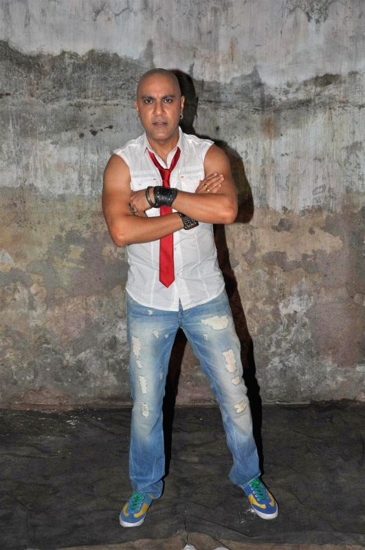 "King of bollywood rap `Baba Seghal` at the on location of the video shoot for his upcoming single release ""Mumbai City"" to be released by Planet Radio City."