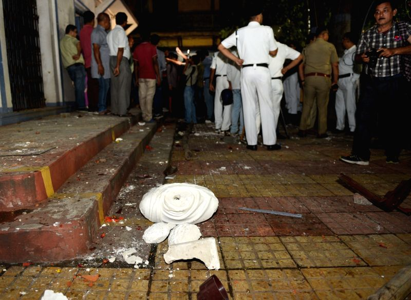 Kolkata: A view of the damaged statue of Ishwar Chandra Vidyasagar which was vandalised at Vidyasagar College in the clashes that broke out during BJP President Amit Shah's roadshow, in Kolkata, on May 14, 2019. (Photo: IANS)