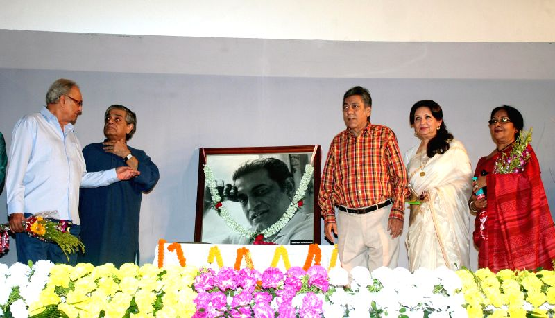 Actors Sharmila Tagore and  Soumitra Chatterjee with filmmaker Sandip Ray and others during a programme organised to pay tribute to Satyajit Ray in Kolkata, on April 26, 2015.