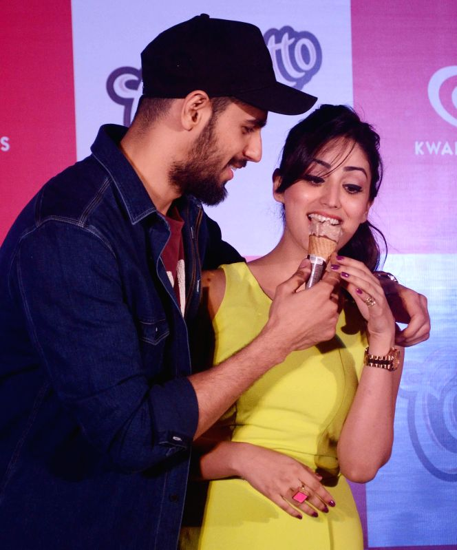 Sidharth Malhotra And Yami Gautam During A Promotional Event