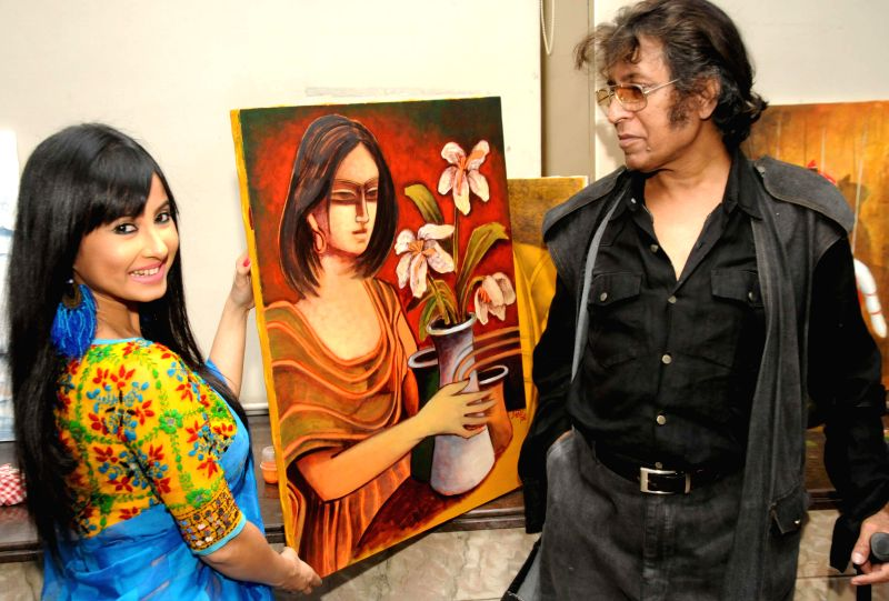 Artist Wasim Kapoor and actress Monami Ghosh during the 9th Painting Workshop in Kolkata, on March 20, 2015.