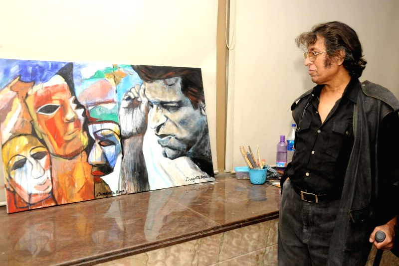 Artist Wasim Kapoor during the 9th Painting Workshop in Kolkata, on March 20, 2015.