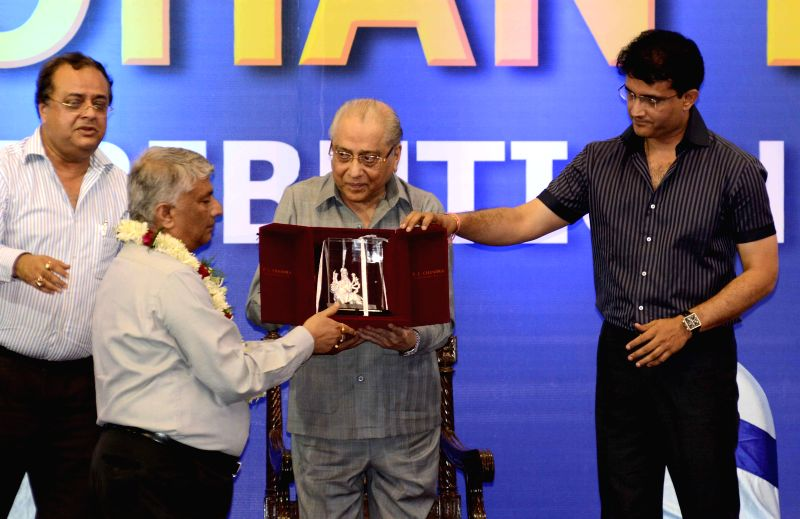 BCCI president Jagmohan Dalmia being felicitated during a CAB programme in Kolkata on April 2, 2015. Also seen former Indian cricketer Sourav Ganguly. - Sourav Ganguly