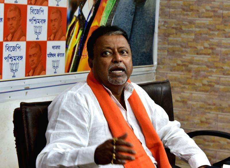 Kolkata: BJP leader Mukul Roy addresses a press conference in Kolkata, on May 26, 2019.