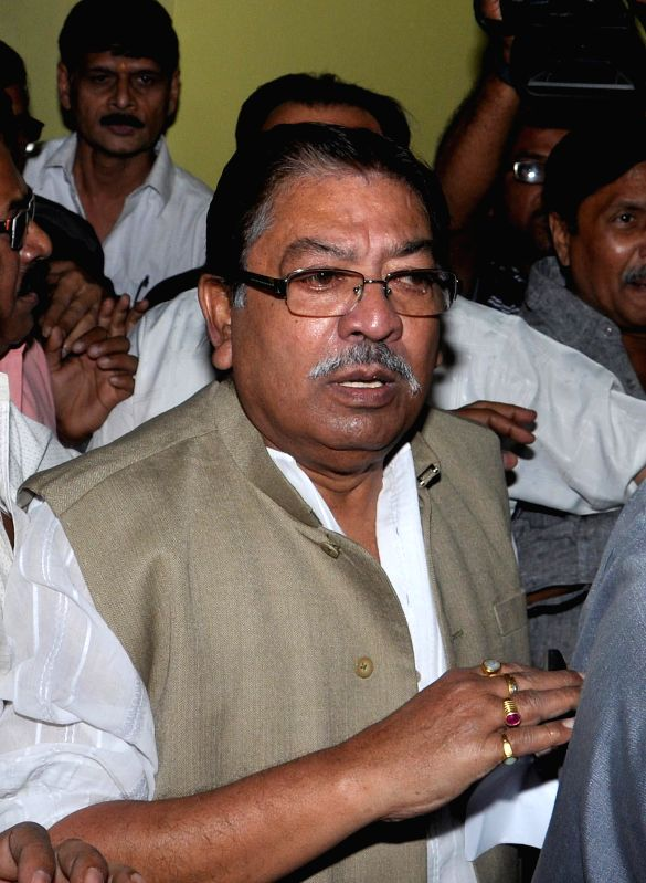 Congress leader Somen Mitra and former Trinmool MP arrives to appear before CBI in connection with multi-crore-rupee Saradha chit fund scam in Kolkata, on Nov 21, 2014.