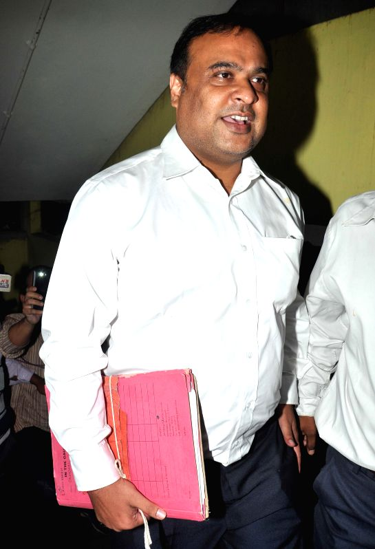 Former Assam Health Minister Himanta Biswa Sarma arrives to appear before in the CBI in connection with the multi-crore-rupee Sardha chit fund scam in Kolkata on Nov 26, 2014. - Himanta Biswa Sarma