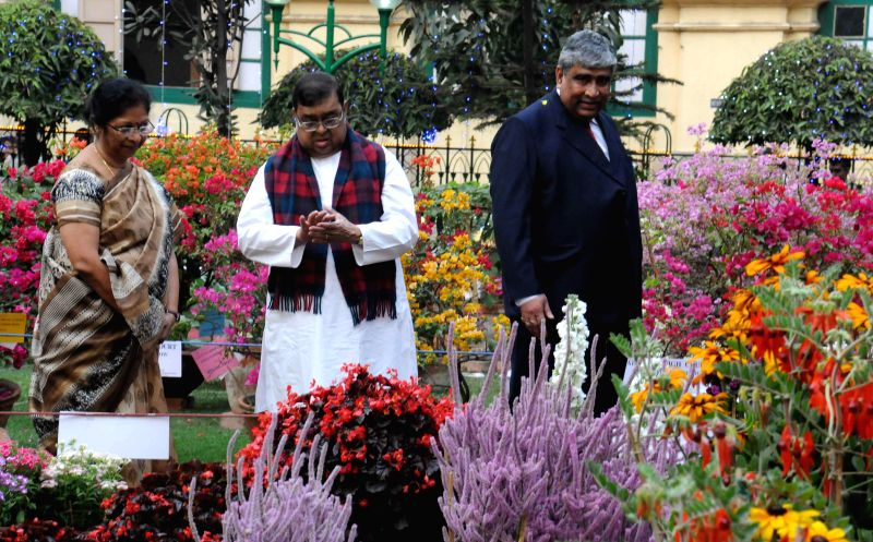 Former Chief Justice of Supreme Court of India Justice Altamas Kabir, Chief Justice of Calcutta High Court Justice Manjula Chellur during inauguration of a flower show at Calcutta High Court