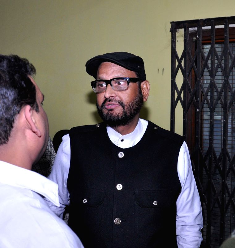 Former Congress MP Matang Singh being arrested by CBI in connection with the Saradha chit fund scam in Kolkata on Jan 31, 2015.