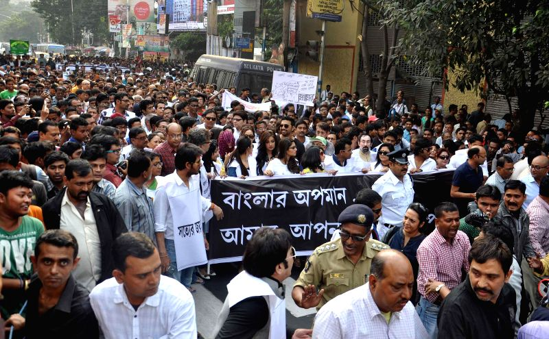 Intellectuals participate in a rally against the alleged use of CBI for political motives in Kolkata, on Nov 28, 2014.