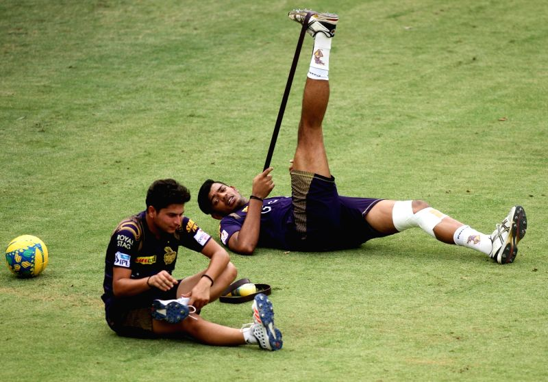 Kolkata Knight Riders players during a practice session at Feroz Shah Kotla Stadium, in New Delhi on May 24, 2016.