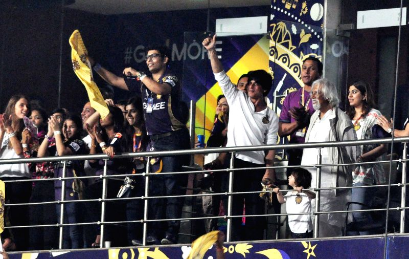Kolkata Knight Riders (KKR) co-owner and actor Shah Rukh Khan and others during an IPL-2015 match between Kolkata Knight Riders and Mumbai Indians in Kolkata, on April 8, 2015. - Shah Rukh Khan