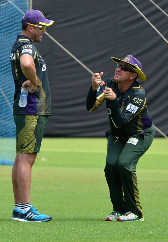 Kolkata Knight Riders (KKR) head coach Trevor Bayliss and KKR mentor Jacques Kallis during a practice session at the Eden Gardens in Kolkata, on April 7, 2015.