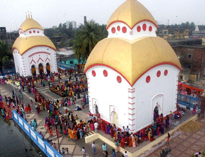 People in large numbers arrive at the Bhukailash temple on Mahashivratri in Kolkata, on Feb 17, 2015.
