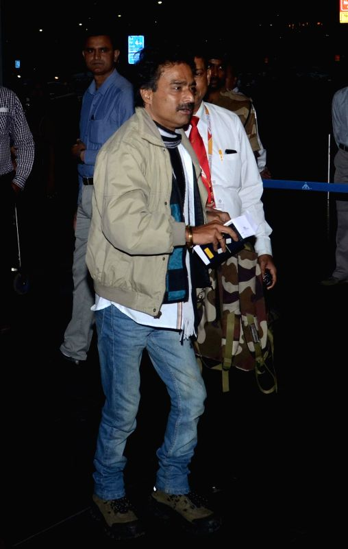 Singer Nachiketa arrives at Kolkata Airport before departing for Bangladesh as a part of West Bengal Chief Minister Mamata Banerjee's delegation on Feb 19, 2015.