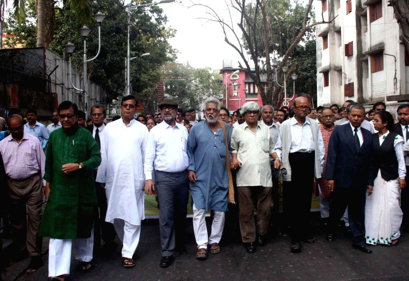 The activists of Save Democracy Forum (SDF) led by Ashim Chatterjee, former Mayor of Kolkata Bikash Ranjan Bhattacharya and others participate in a protest rally against West Bengal ... - Ashim Chatterjee
