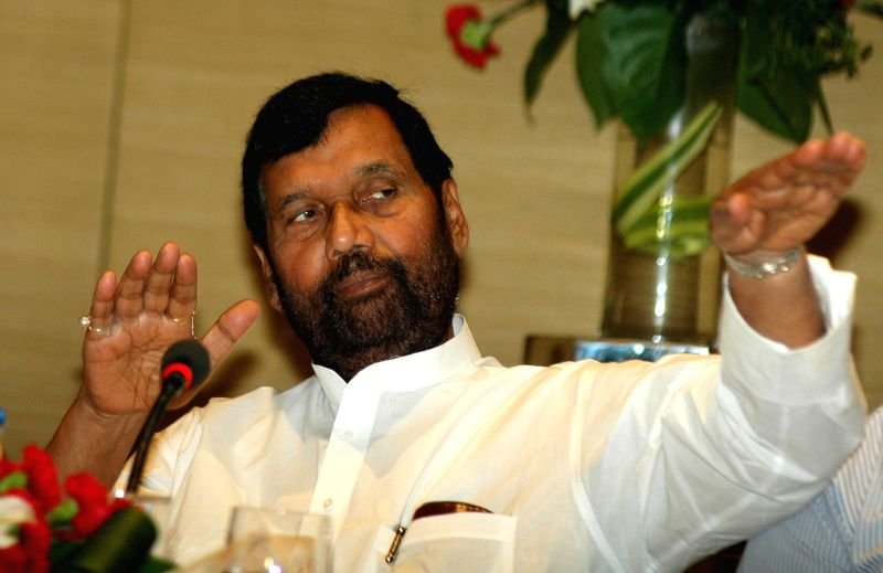 Union Minister for Consumer Affairs, Food and Public Distribution Ramvilas Paswan a press conference in Kolkata, on May 1, 2015.