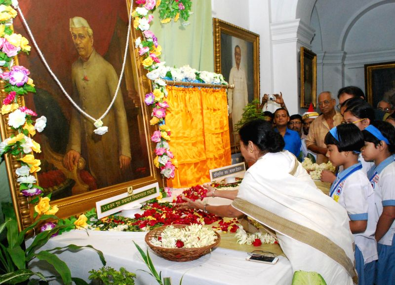 West Bengal Chief Minister Mamata Banerjee pays tribute to Pandit Jawaharlal Nehru on his 125th birth anniversary at West Bengal Legislative Assembly in Kolkata, on Nov 14, 2014. - Mamata Banerjee