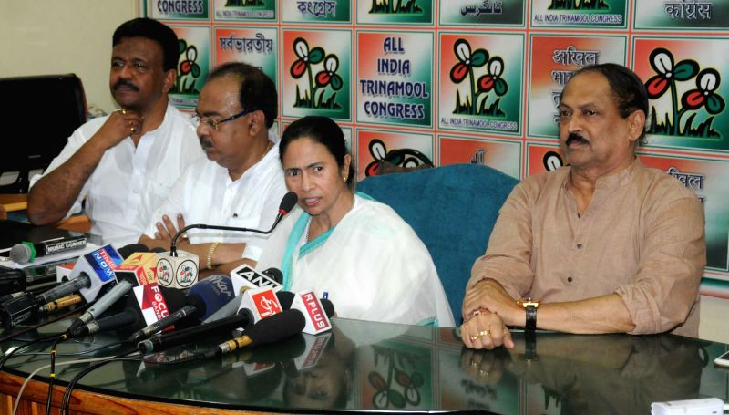 West Bengal Chief Minister Mamata Banerjee with Kolkata mayor-designate Sovan Chatterjee, West Bengal Urban Development Minister Firhad Hakim and West Bengal Panchayat Minister Subrata ... - Mamata Banerjee, Sovan Chatterjee and Subrata Mukherjee