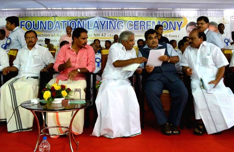 The Union Minister for Road Transport and Highways, and Shipping, Nitin Gadkari along with the Chief Minister of Kerala Oommen Chandy and the State PWD Minister V.K. Ebrahim Kunju at the ... - V.