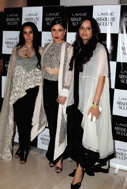 (L-R) Designer Anamika Khanna, actress Kareena Kapoor and Purnima Lamba, head of Innovation at Lakme - Kareena Kapoor