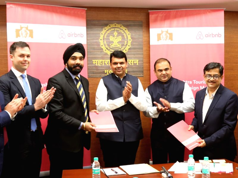 (L to R) Airbnb, APAC, Public Policy director Mike Orgill, Airbnb India Country Manager Amanpreet Bajaj, Maharashtra Chief Minister Devendra Fadnavis, Minister of Tourism Jaykumar Rawal and ... - Mike Orgill