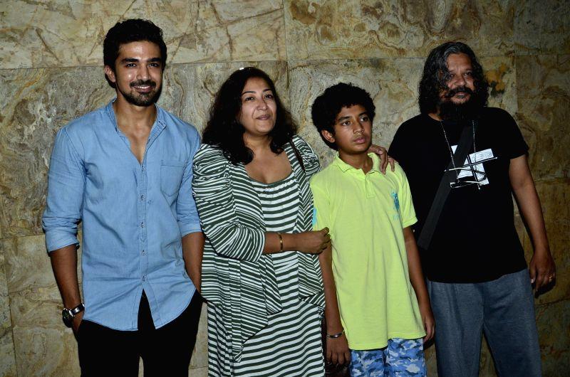 (L to R) Bollywood actor Saqib Saleem, film editor Deepa Bhatia, child actor Partho Gupte and filmmaker Amole Gupte during the special screening of film Hawaa Hawaai in Mumbai, on April 29, 2014. - Saqib Saleem