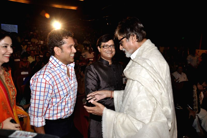 (L to R) Dr Anjali Tendulkar and her husband Indian cricketer Sachin Tendulkar, Bollywood and Marathi actor Sachin Pilgaonkar and Bollywood icon Amitabh Bachchan, during a program to celebrate Sachin - Sachin Tendulkar and Amitabh Bachchan