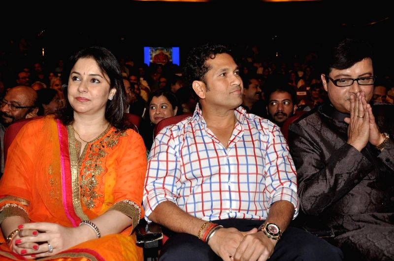 (L to R) Dr Anjali Tendulkar and her husband Indian cricketer Sachin Tendulkar and Bollywood and Marathi actor Sachin Pilgaonkar during a program to celebrate Sachin Pilgaonkar's 50 years in the - Sachin Tendulkar