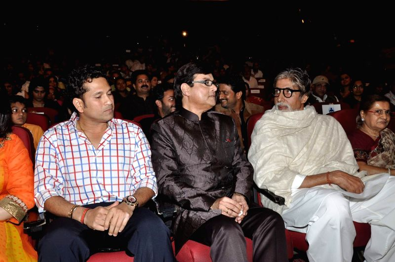 (L to R) Indian cricketer Sachin Tendulkar, Bollywood and Marathi actor Sachin Pilgaonkar and Bollywood icon Amitabh Bachchan, during a program to celebrate Sachin Pilgaonkar's 50 years in the .. - Sachin Tendulkar and Amitabh Bachchan