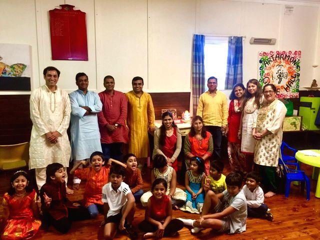 (L to R)Parag Garud, Mahesh, Uday Desai, Manoj & Tarika Mali, Prajakta, Arun Ghatge, Preeti Patki, Aditi Parab, Vijaya Dhumal. - Uday Desai
