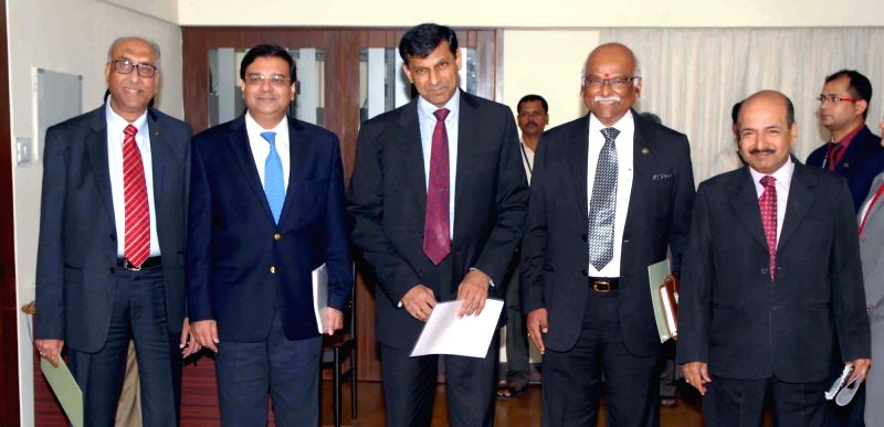 (L to R) RBI Deputy Governors SS Mundra, Urjit Patel, Governor Raghuram Rajan, Deputy Governors R Gandhi and NS Vishwanathan during a press conference in Mumbai on Aug 9, 2016. - Urjit Patel and Governors R Gandhi