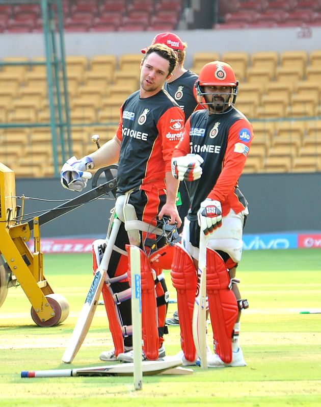 (L to R) Travis Head and Kedar Jadhav of Royal Challengers Bangalore during a practice session at Chinnaswamy Stadium in Bengaluru on April 26, 2017.
