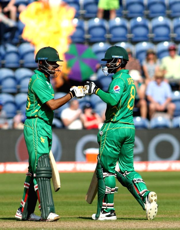 Lahore, June 26 (IANS) Former Pakistan batsman Aamer Sohail has backed Mohammad Hafeez who is under the scanner for going public with his personal COVID-19 result after he tested positive as per Pakistan Cricket Board (PCB) results.