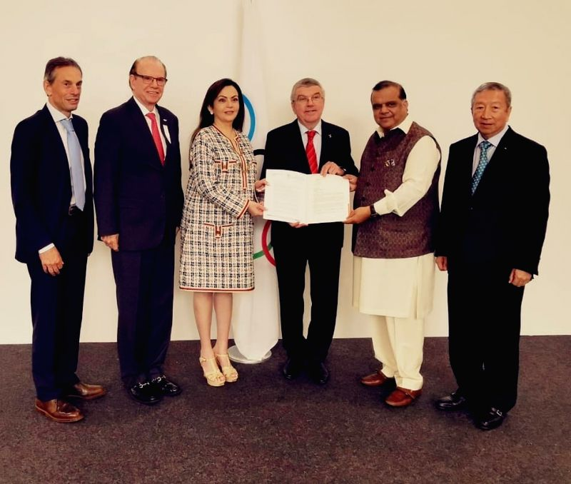 Lausanne: (L-R) International Olympic Committee member Nita Ambani, IOC President Thomas Bach and Indian Olympic Association President Narinder Batra during the 134th Session of governing body in Lausanne, Switzerland. (Photo: IANS)