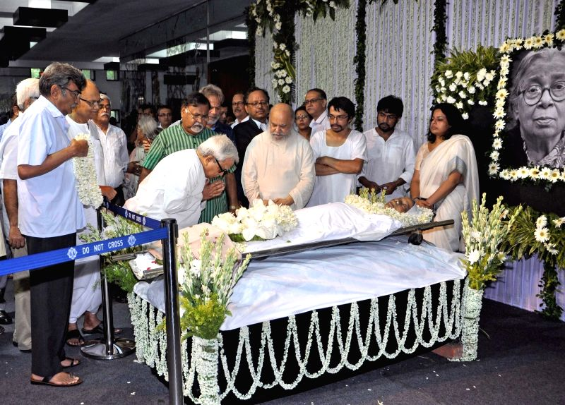 Left Front Chairman Biman Bose and Leader of Opposition in West Bengal assembly Surjya Kanta Mishra pay tribute to eminent writer and social activist Mahasweta Devi who passed away on 28th ... - Biman Bose and Surjya Kanta Mishra