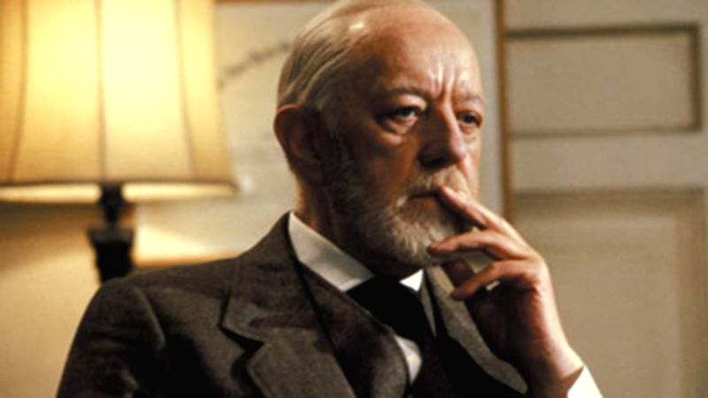 "Legendary actor Alec Guinness as Sigmund Freud's ghost in 1983 film ""Lovesick"" - Alec Guinness"