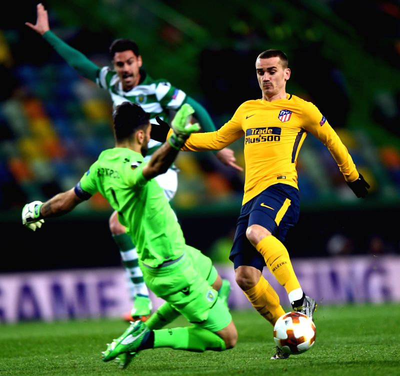 LISBON, April 13, 2018 - Antoine Griezmann (R) of Atletico shoots during the Europa League quarterfinal second leg soccer match between Sporting CP and Club Atletico de Madrid at the Jose Alvalade ...