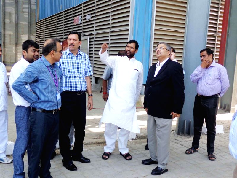 LJP chief and Union Minister for Consumer Affairs, Food and Public Distribution Ramvilas Paswan during an official visit to Silos at Kaithal on Aug 26, 2014.