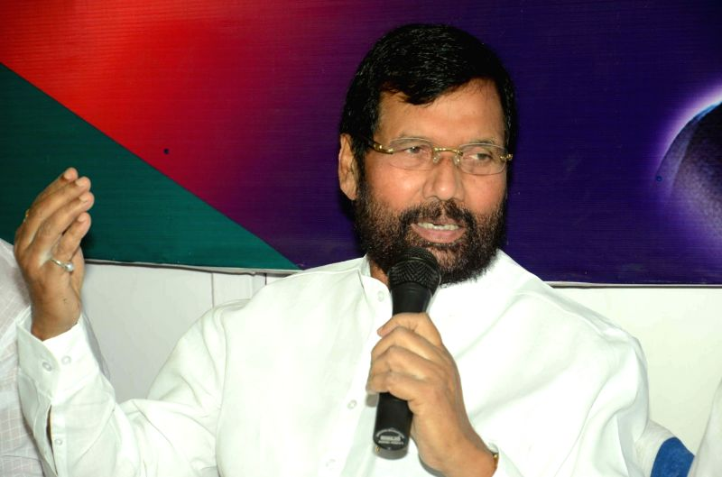 LJP chief and Union Minister for Consumer Affairs, Food and Public Distribution Ramvilas Paswan addresses a press conference in Patna on May 23, 2016.