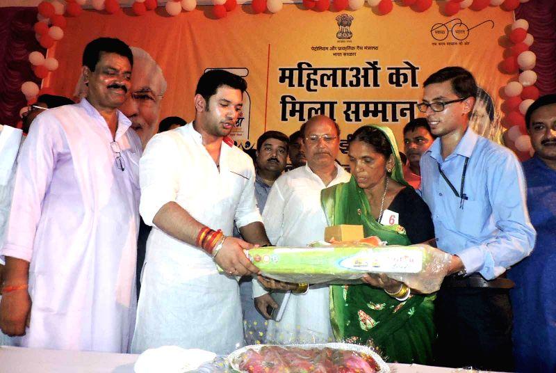 LJP MP Chirag Paswan during Pradhan Mantri Ujjwala Yojana scheme in Patna on July 30, 2016.