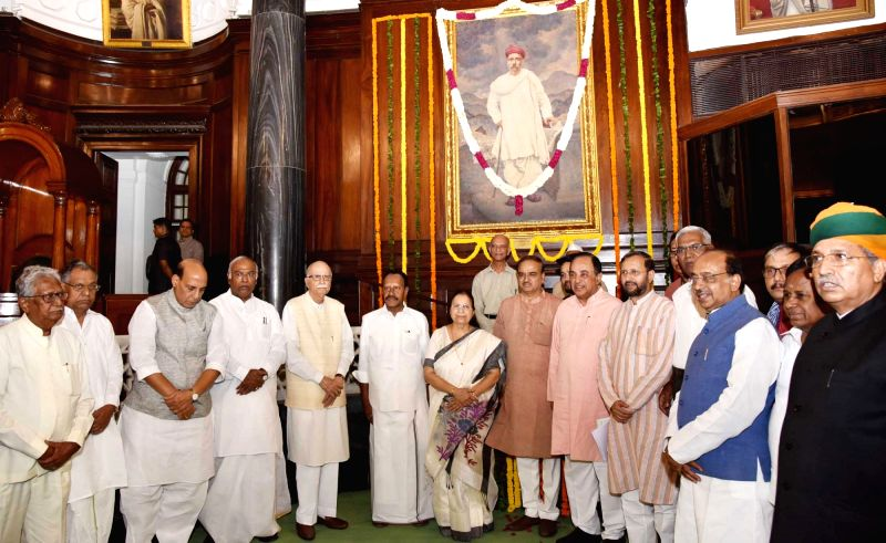 ​Lok Sabha Speaker Sumitra Mahajan, Union Ministers Rajnath Singh, Ananth Kumar, Prakash Javadekar, Arjun Ram Meghwal and Vijay Goel, BJP leaders L.K. Advani​ and Subramanian ... - Sumitra Mahajan, Ministers Rajnath Singh, Ananth Kumar, Prakash Javadekar, Arjun Ram Meghwal, Vijay Goel and K. Advani