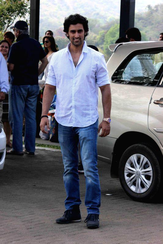 Actor Kunal Kapoor returns after attending Aamir Khan`s 50th birthday party in Lonavala on March 15, 2015. - Kunal Kapoor