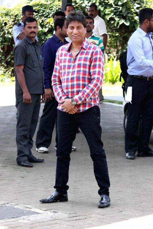 Actor Raju Srivastava returns after attending Aamir Khan`s 50th birthday party in Lonavala on March 15, 2015. - Raju Srivastava