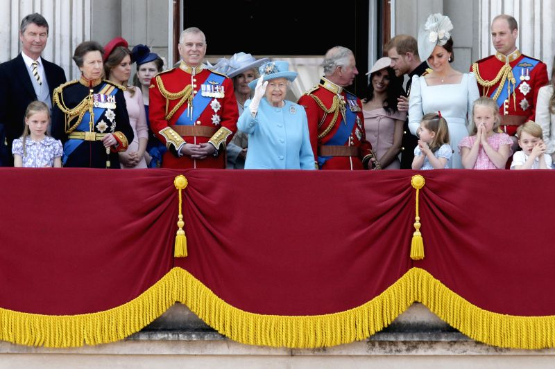 LONDON, June 9, 2018 - Britain's Queen Elizabeth II (C) waves to the public on the balcony of Buckingham Palace during the Trooping the Colour ceremony to mark Queen Elizabeth II's 92nd birthday in ...