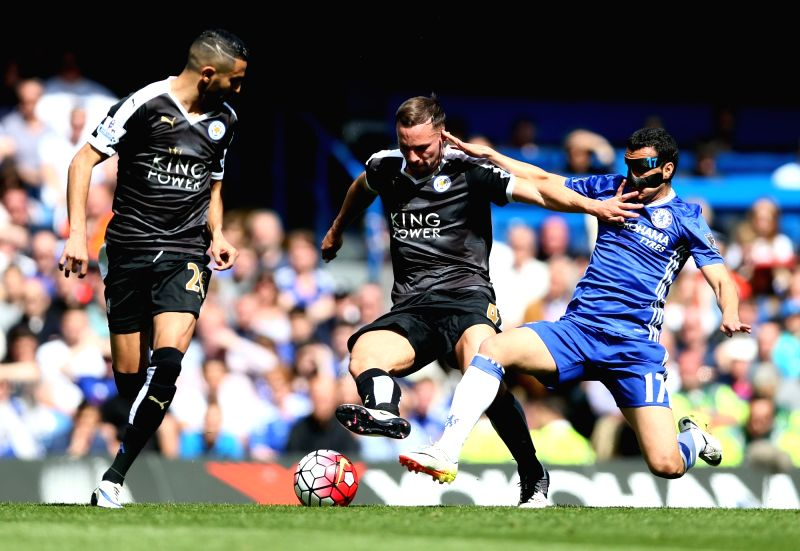 LONDON, May 16, 2016 - Danny Drinkwater (C) of Leicester City vies with Pedro of Chelsea during the Barclays Premier League match between Chelsea and Leicester City at Stamford Bridge Stadium in ...