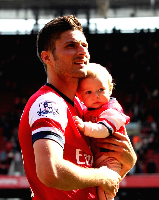 Arsenal player Olivier Giroud thanks his fans for their support, at the Emirates Stadium in London, England after?2013-2014 season of the?English Premier League?on May .
