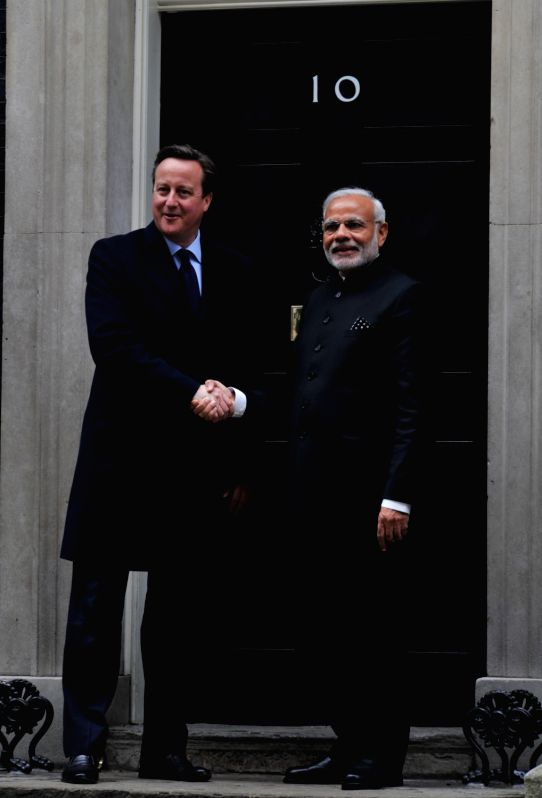 : London: Prime Minister Narendra Modi with his British counterpart David Cameron in London, England on Nov 12, 2015. (Photo: IANS/MEA). - Narendra Modi