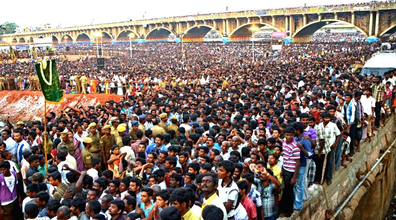 Lord Kallazhagar`s advent into Madurai is a prelude to the Chithirai festival`s climax when the deity enters the Vaigai river on April 25, 2013.