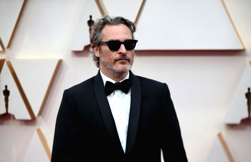 LOS ANGELES, Feb. 10, 2020 (Xinhua) -- Joaquin Phoenix arrives for the red carpet of the 92nd Academy Awards at the Dolby Theatre in Los Angeles, the United States, Feb. 9, 2020. (Xinhua/Li Ying/IANS)