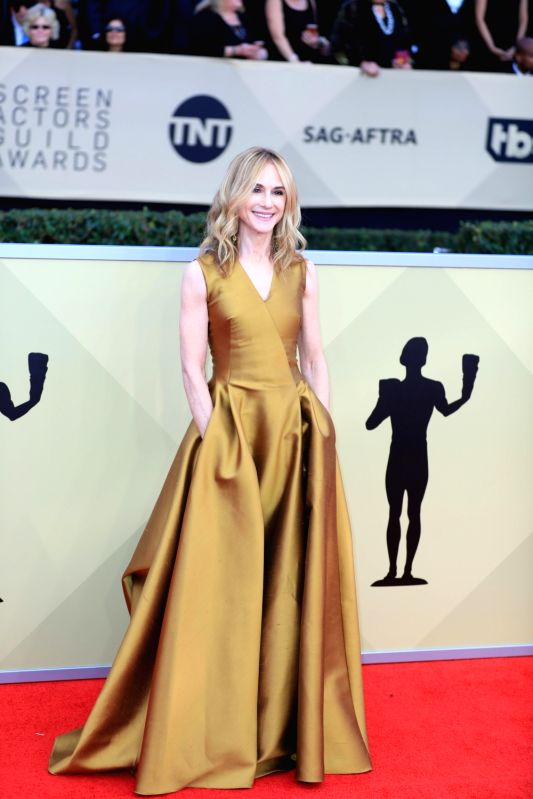 LOS ANGELES, Jan. 22, 2018 (Xinhua) -- Holly Hunter attends the 24th annual Screen Actors Guild (SAG) Awards at the Shrine Auditorium in Los Angeles, California, the United States, Jan. 21, 2018. (Xinhua/Li Ying/IANS)